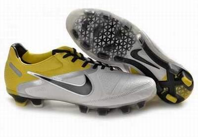 Chaussures de foot pas cher vetement chaussures de foot for Hebergement pas cher france